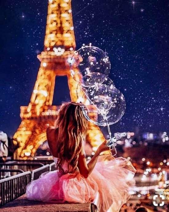 Картина по номерам 40x50 Девушка с шариками в ночном Париже